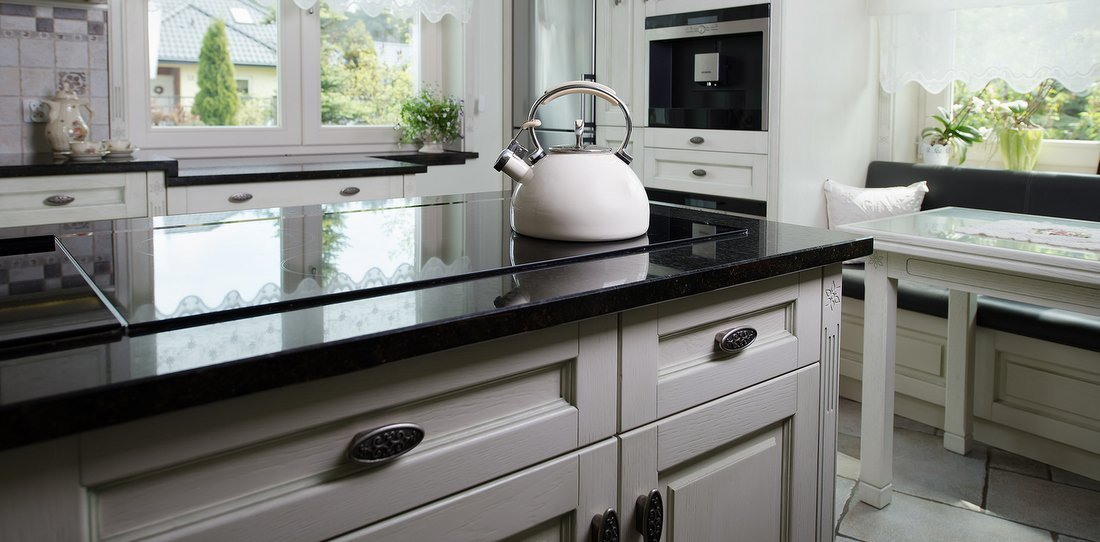 Beautiful wooden kitchens – prestige bespoke kitchen cabinets, exclusive, solid wood luxury made kitchens, oak kitchens UK, victorian kitchen and old kitchens, contemporary kitchen and traditional kitchens to request